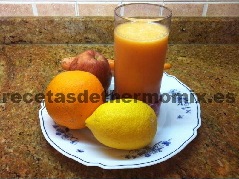 Recetas de zumo con limón, naranja, manzana y zanahoria con Thermomix