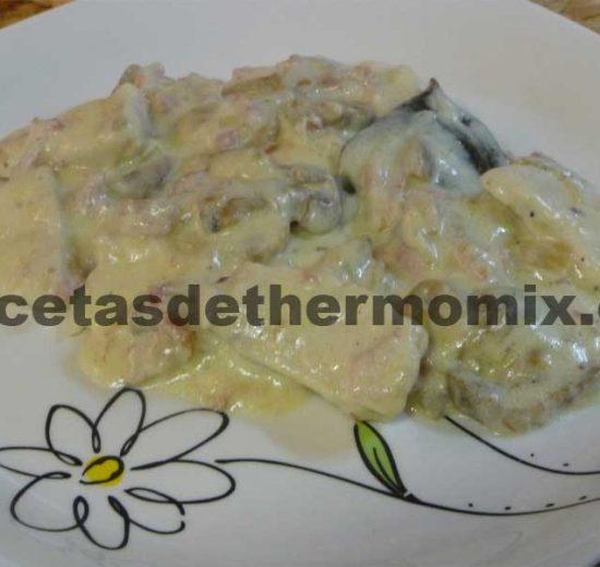 Receta de pechugas con salsa de nata en Thermomix