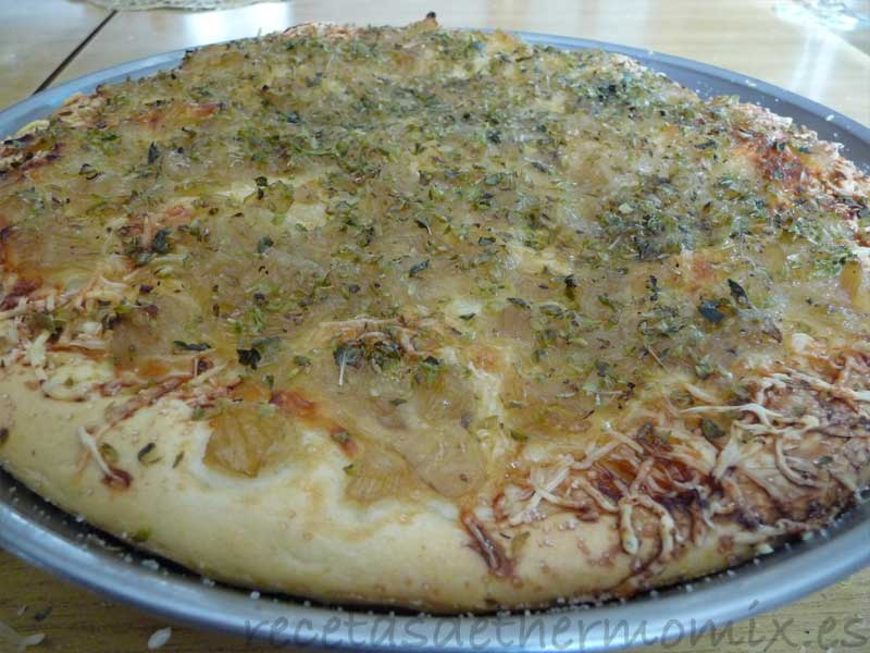 Receta de pizza de cebolla con Thermomix