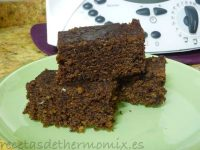 Bizcocho rpido de chocolate al microondas de Thermomix