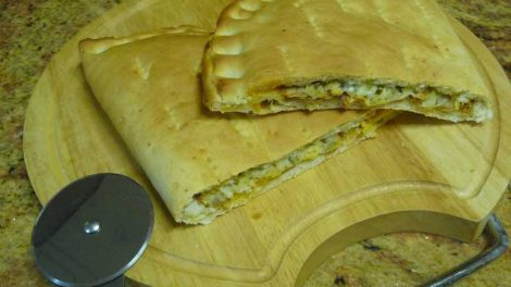 Pizza calzone de atun thermomix