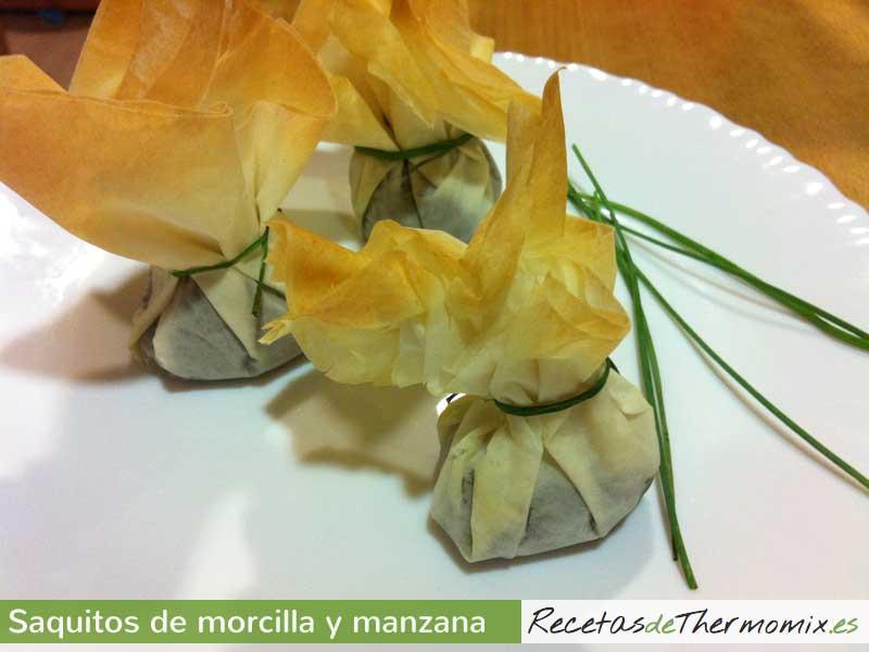 Saquitos de morcilla con manzana Thermomix