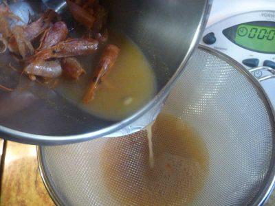 Colar la sopa de gambas en Thermomix