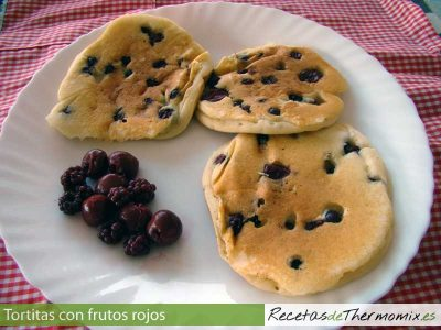 Tortitas de frutos rojos con Thermomix