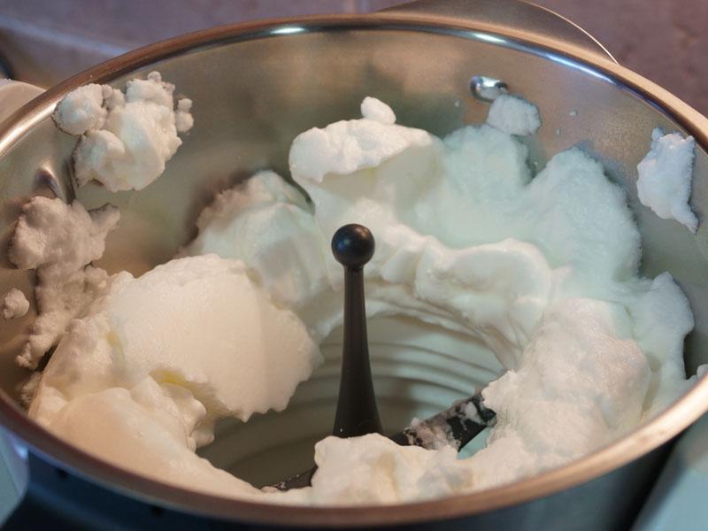 Claras montadas para tarta mousse de limón Thermomix