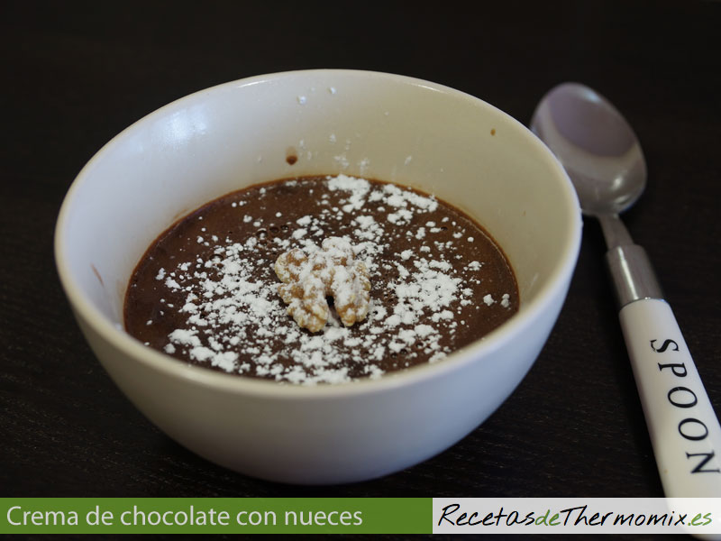 Crema de chocolate con nueces en Thermomix