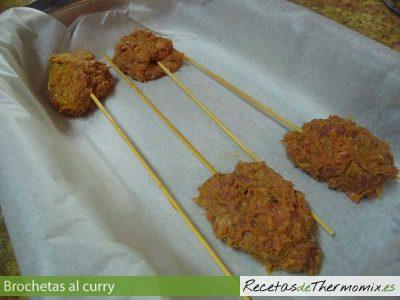 Como preparar brochetas al curry con Thermomix