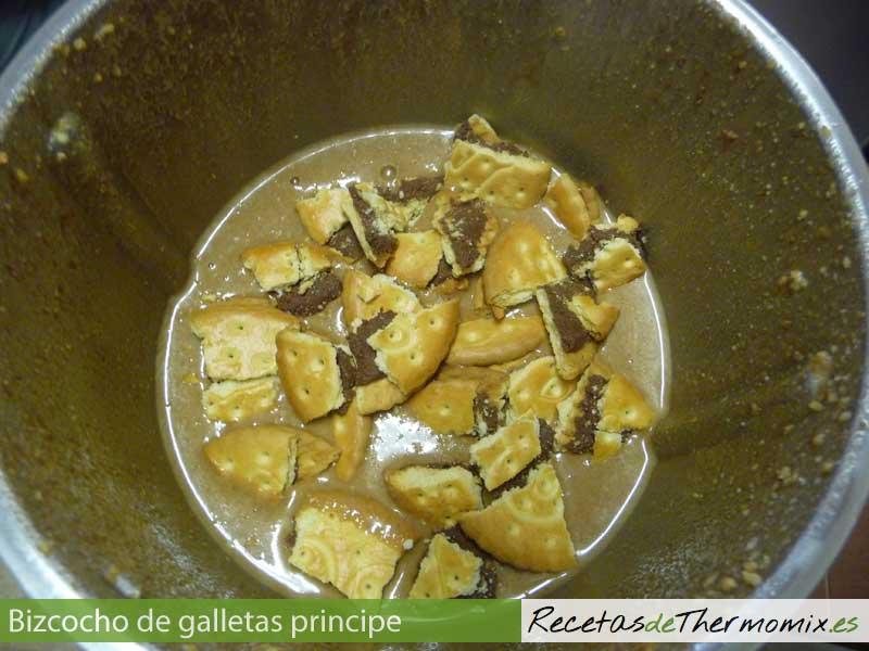 Cómo hacer bizcocho de galletas principe con Thermomix