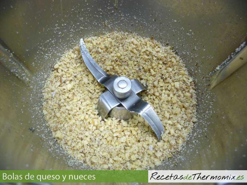 Preparar bolas de queso y nueces con Thermomix