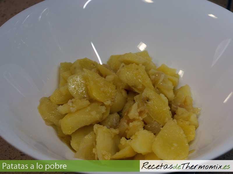 Patatas a lo pobre Thermomix