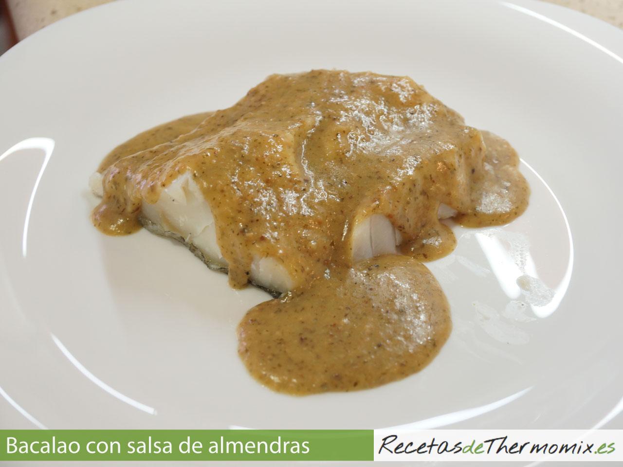 Bacalao con salsa de almendras en Thermomix