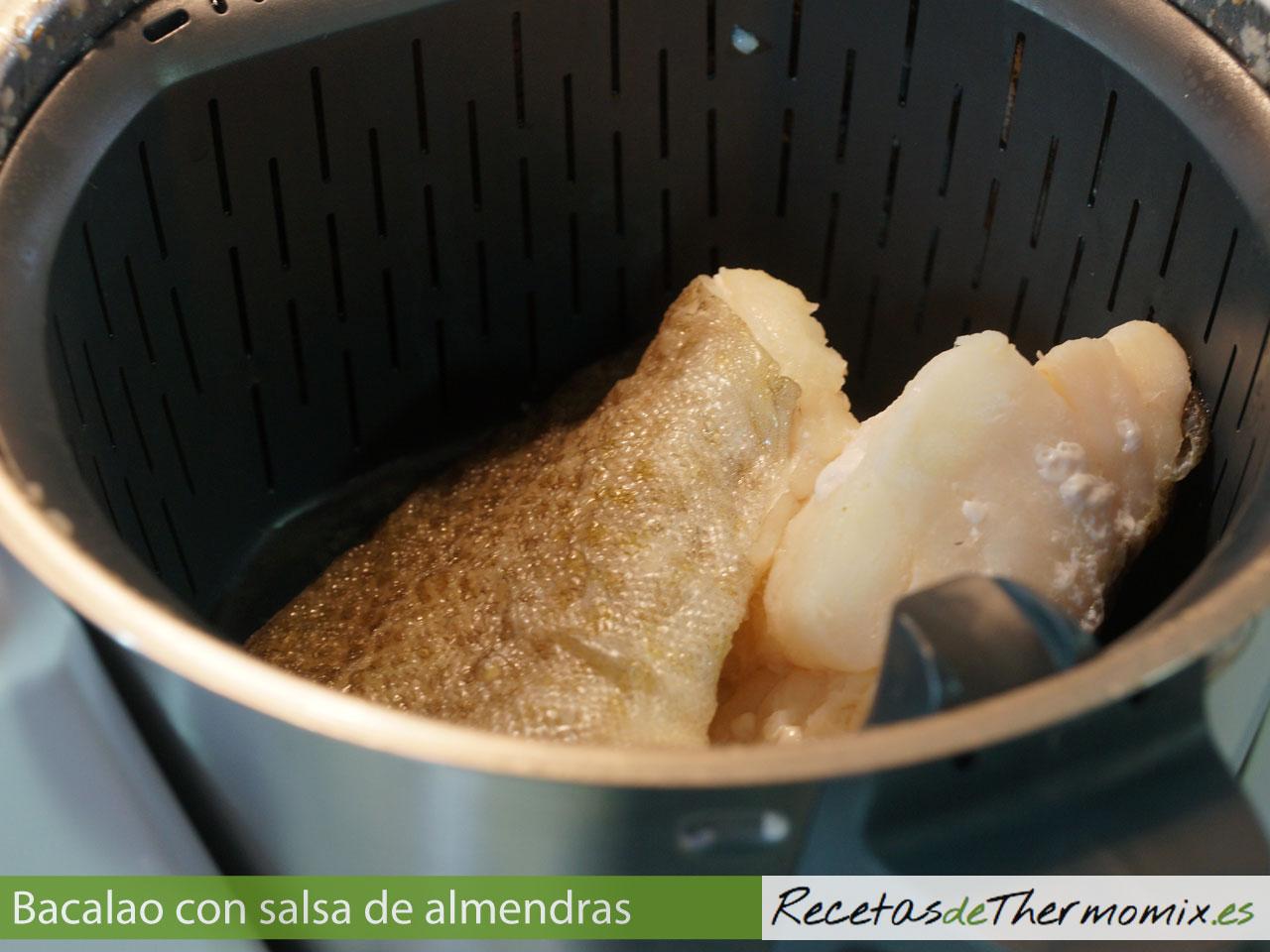 Cómo hacer bacalao con salsa de almendras con Thermomix