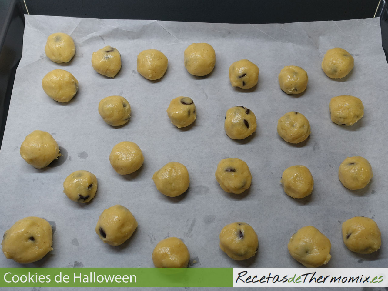 Masa de cookies con chocolate para Halloween en Thermomix