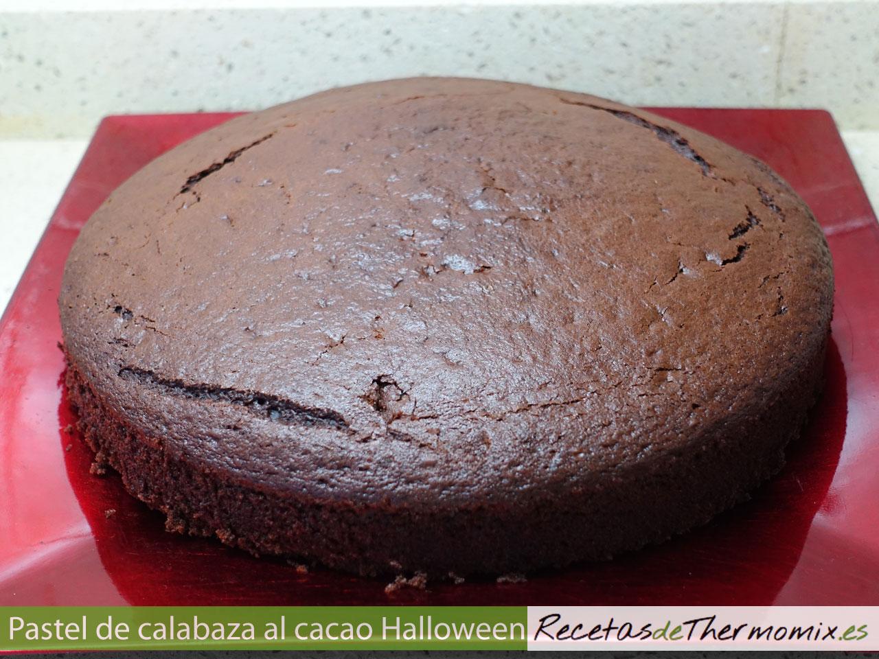 Bizcocho de calabaza al cacao para Halloween en Thermomix