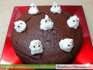 Pastel de calabaza al cacao para Halloween con Thermomix