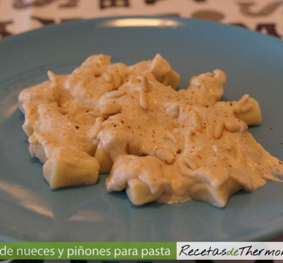 Salsa de nueces y piñones para pasta en Thermomix
